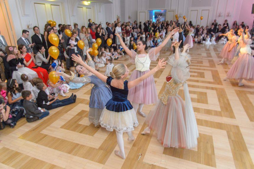 Ballettschule eröffnete den Ball